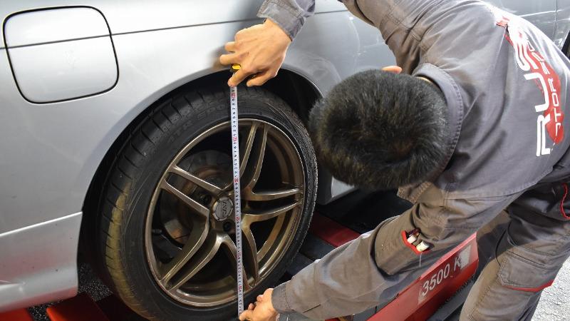 タイヤ外径を実測